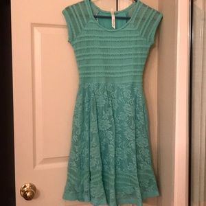 Dresses & Skirts - Fully lined summer shift dress.